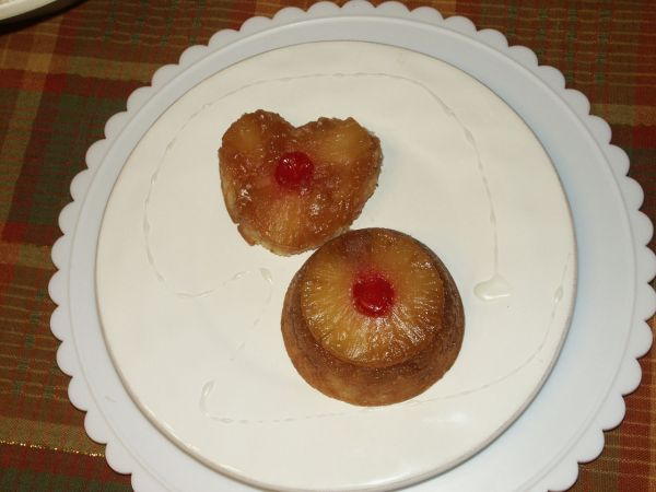 Upside Down Pineapple Cupcakes