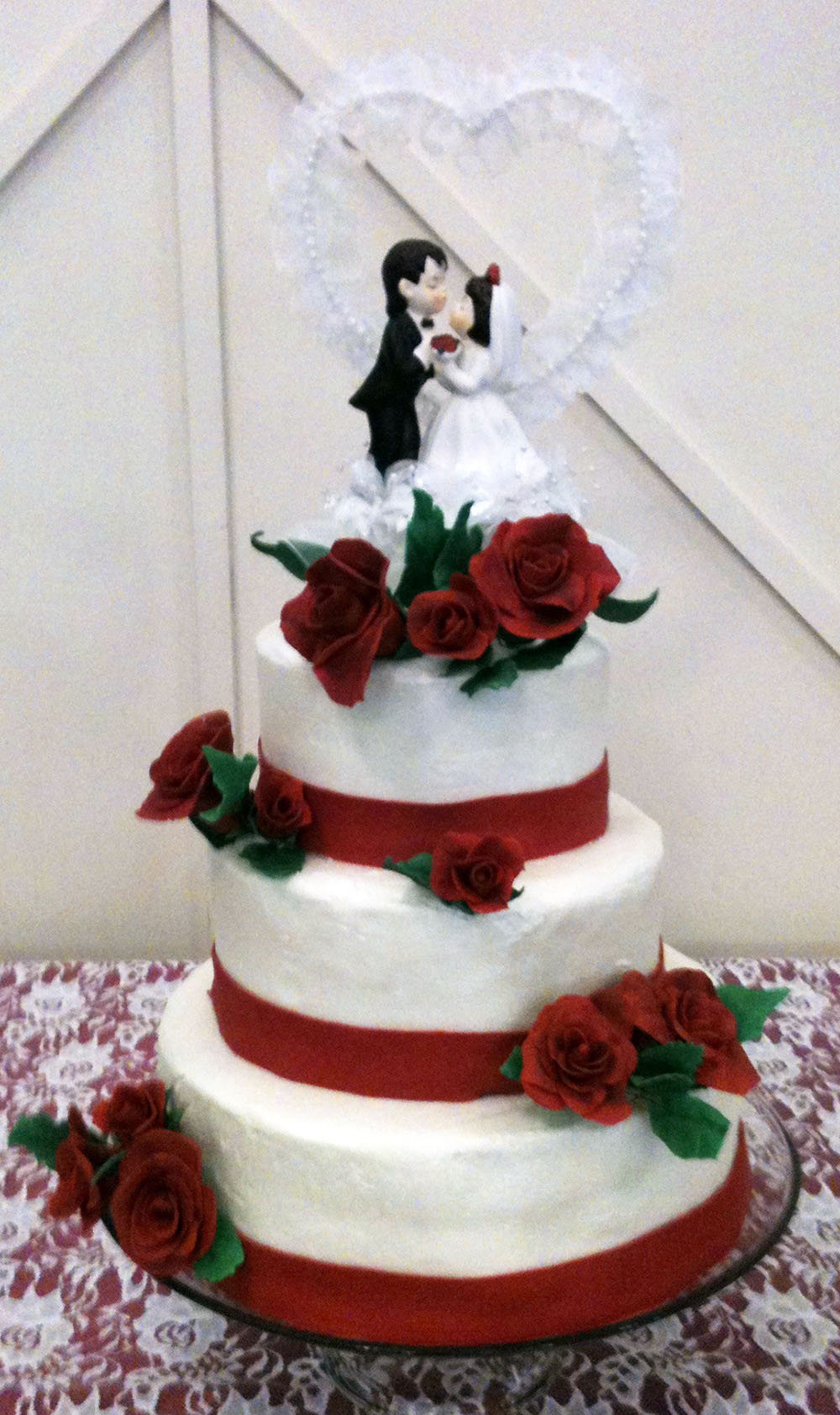wedding cake with fresh red roses wedding cake bakery 26895
